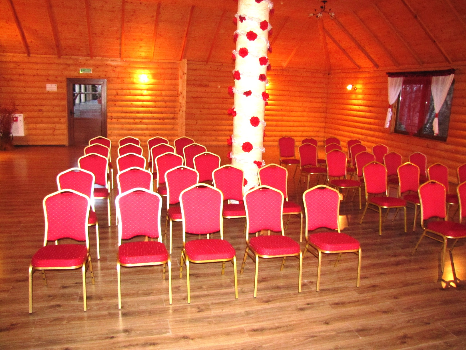 konferencja sala drewniana 4